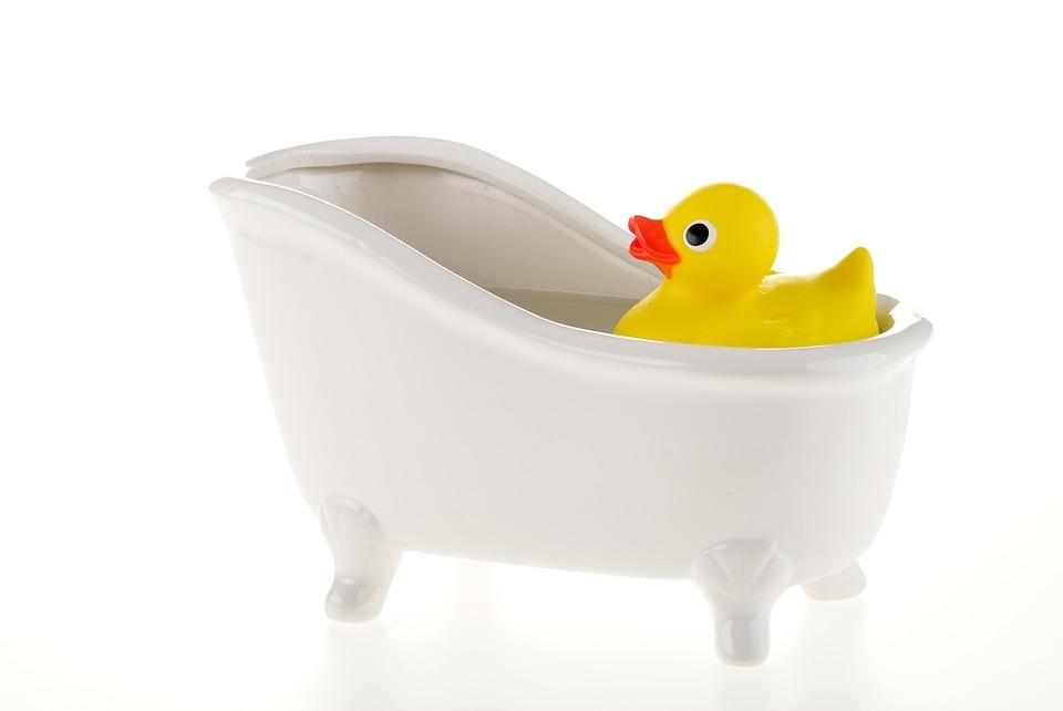 ミョウバン水原液を30~50ccくらいお風呂に入れる