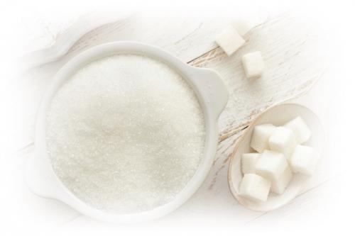 黒ずみ対策目的なら塩、保湿効果を求めるなら砂糖